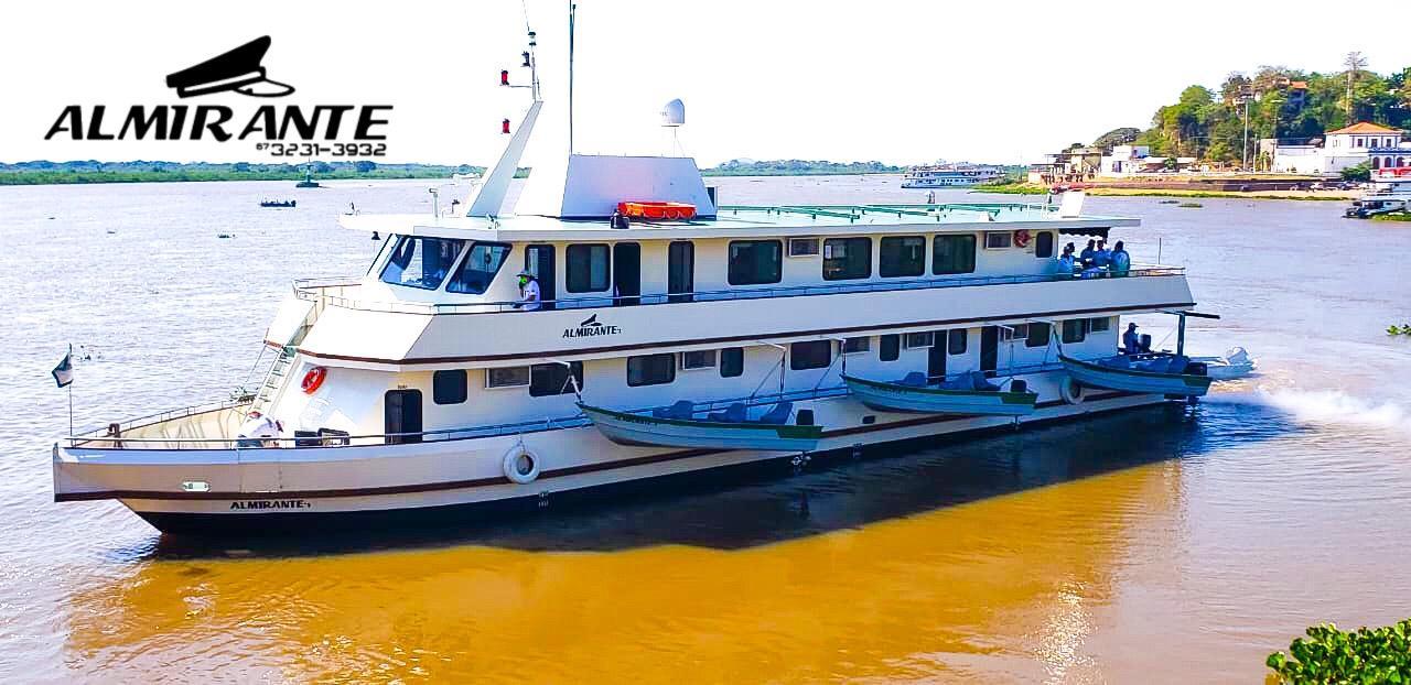Barco Hotel Almirante Corumbá